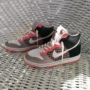 "7.5 LIMITED Nike Houndstooth ""Dunk High 6.0"" peach"